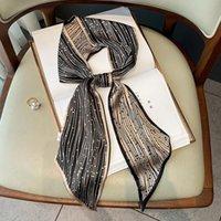 Bufandas Bufanda de seda de impresión geométrica de doble cara blanca y negra con esquinas afiladas damas delgadas de Long Foulderd Cheveux regalo