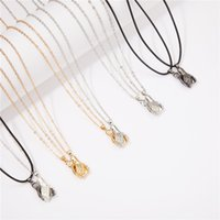 2pcs set Magnetic Couple Necklace Lovers Hold Hands Pendant Distance Charm Necklaces Women Men Friendship Valentine's Day Gifts