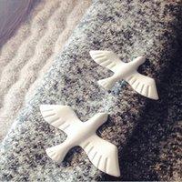 Fabbrica all'ingrosso Fashionn Art Small Fresh Bianco Peace Pigeon Collar Badge Abbigliamento Spilla Pin Uomini e Donne F