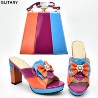 Scarpe Dress Shoes Italian Designer and Bags Set di abbinamento Donne Borsa da scarpe da donna in Italia Tacchi alti Sandali aperti Sandali Slip per