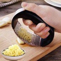 Portable Stainless Steel Garlic Press Garlic Chooper Hand Garlic Press Garlics Grinder Grater Cutter Slicer Kitchen Gadget DBC VT0671