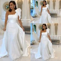 2021 Simple Bling Sexy Mermaid Wedding Dresses One Shoulder With Bow Sequined Lace Sweep Train Plus Size Sequins Formal Bridal Dress vestidos de novia
