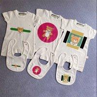 Childrens Rompes Jumpsuits Unesies Lettre Classic Bébé Girls Garçon Burper Vêtements Été À Manches courtes Toddler Kidsuit