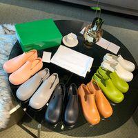 العلامة التجارية المطاط النساء الصنادل مصمم slingback حزام المطر الأحذية ماتي منصة ماء الجوارب للماء الحلوى الألوان الانزلاق على الأحذية عارضة