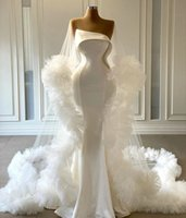 Modern White Evening Dresses Gorgeous Ruffles Long Wrap Shawl 2021 Fashion Strapless Elegant Satin Arabic Prom Gowns Vestidos Mermaid Formal Party Wear AL9349
