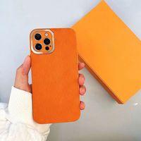 Moda de diseño de lujo para iPhone 12 Pro Casos de teléfono Máx Funda móvil 11 Prothree2 XR X XS Modelos de cubierta de cáscara