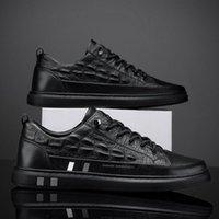 2021 Nuova scarpa d'abito da esterno da uomo classico con punte in pelle intagliata Scarpe da tavola formale italiana B39