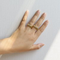 Cluster Rings Tarnish Free Couple Jewelry Smart Twist Pattern Plated 18K Genuine Gold For Male Gorgeous Stainless Steel Women