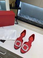 2021 النساء اللباس أحذية أحمر أسفل الكعب العالي بريق المسامير الثلاثي الأسود عارية الوردي الأبيض براءات الاختراع جلد الغزال أزياء حزب الصنادل الزفاف