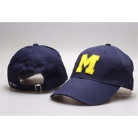 New Caps Michigan Wolverines Futebol Futebol Chapéus Cap Blue e Khaki Cor Team Hats Mix Match Order Todos os Caps Atacado