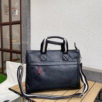 Briefcases unisex 2021 Moda Donna e uomini Nuovi Borse a tracolla Borse a tracolla Crossbody-Bags di alta qualità in pelle solida famosa tasca da computer di lusso grande / piccola dimensione
