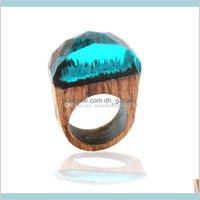 العنقودية قطرة التسليم 2021 أزياء المرأة الراتنج الخشب خواتم ماجيك الغابات خشبية الرجال مجوهرات اليدوية الداخلية الأزرق مصغرة العالم داخل الدائري