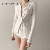 TwotWinstyle Beyaz Örme Hırka Kadın V Boyun Uzun Kollu Bir Boyutu Ince Kazak Kadınlar için Moda Giyim Sonbahar 210806