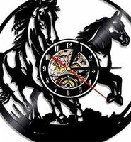 1 قطعة الخيول الصمام الإضاءة الحيوانات ساعة الحائط ركوب الخيل الليزر محفور الصمام الخلفية الحديثة ساعة هدية ل هزمان 1 685 v2
