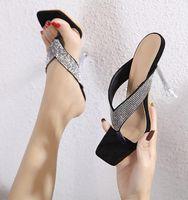 # 54912 Yaz Kadın Sandalet Kare Başkanı Kristal Strass Rhinestone Flip Flop Terlik Kadın Ayaklar Seksi Sandal ve Terlik Kadın Mizaç Lady
