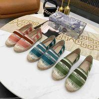 2021 Mujeres Lujos Zapatos Casuales Alpargatas de Verano Designers Ladies Plana Playa Medio Zapatillas Moda Mujer Mocasines Pescador Capacitación Zapato con caja Tamaño 34-42