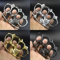 Металлический орел Canuckle Защитное зубчатое колесо Четыре пальцы Dice Duster Открытый Женщины Мужчины Самооборона Кольцо Кольца Бокс 5 8 КГБ Q2