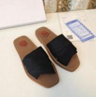 Ursprüngliche Marke Hohe Qualität Woody Mules Flache Slipper 2021 Frauen Mode Deisgner Buchstaben Kreuz Weave Canvas Strap 9 Farben Strand Flip Flop Schuhe Sandalen