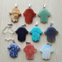 Palmera de mano tallada surtido de piedras naturales encantos de cristal colgantes de cristal para accesorios para collar.