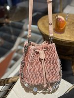 women shoulder bags 2021 auutmn Fashion Ladies crossbody bag Classic Pleated High-quality solid Leather Suede Gem chain Bucket-bags Baguette size:21*17cm