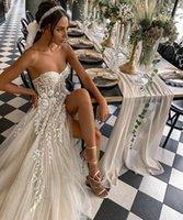 2021 Sexy Beach Wedding Dresses For Bride Elegant Lace Boho Strapless Sleeveless High Split Princess Marriage Gowns