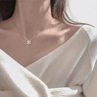 Snowflake Necklace for Women Sterling Clavicle Chain Ins Simple All-Match Design Rose Girlfriends