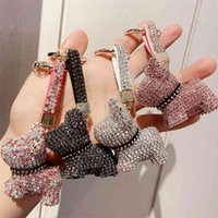 Crystal de luxe French Bulldog Keychain Lanière Strinest Strap Cuir Strap Keychains Femme Sac Charms Hommes Voiture Key Bijoux 210409