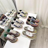 2021 diseñadores zapatos de lujo multicolor rhyton mujeres hombres zapatillas zapatillas entrenadores vintage chaussures damas casual zapato diseñador zapatilla de deporte de la zapatilla superior con el tamaño de la caja 35-46