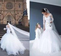 Graceful Long Sleeve Mermaid Wedding Dresses 2017 V Neck French Lace with Appliques Vestido De Novia Court Train Tiers Tulle Bridal Gowns