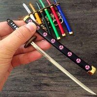 7 스타일 Roronoa Zoro Sword Keychain 여성용 남성 버클 툴 홀더 Scabbard Katana Saber 자동차 키 링 선물 열쇠 고리