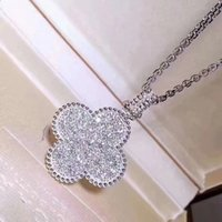 Chaîne de chandail de trèfle à quatre feuilles S925 Micro-incrusté Diamant Collier long collier de fleur Pendentif Accessoires Luxurys Designers Bijoux