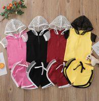 Дети одежда наборы с капюшоном с капюшоном с капюшоном с коротким рукавом Топ + бриджи 2 шт. / Комплект Детская девочка мальчик хлопок спортивные костюмы сетки крышки дизайн лето детская одежда костюм WMQ1281
