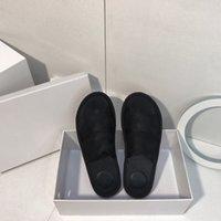 2021 Pantoufles Mode Femmes Scuffs Sandales Rétro Sandales de beauté Chaussures TLES Véritable Casual Casual Dames Pantoufles Été Été Extérieur Plage Joafer Party Vacances avec boîte