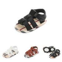 Niños recién nacidos Baby Boys Hollow Out Soft Sole Cuna Zapatillas de deporte Sandalias para niños Zapatos Solid Classic Baby Shoes