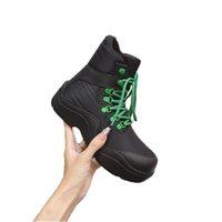 Designer Mujeres Botas Desierto Martin Shoes Flamencos Puddle Barbero Boot Boot Femenino Tacón áspero Cabeza Redonda Zapato Antideo Invierno Botines