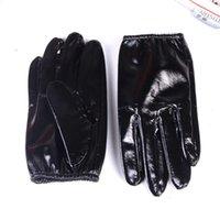 Männer 100% echtes Leder glänzendes schwarzes Patent Ungebarblege Shrink-Handgelenkspolizei-taktische Kurzhandschuhe