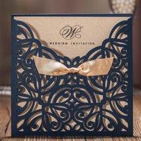 Поздравительные открытки 1 Шт. Пожелания Лазерный лазеррем Свадебные приглашения с темно-синим Bowknot Paper Cardstock для партии вовлечения