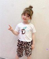 Diseñador Niños Sport Sets Niños Carta impresa Manga corta Camiseta + Pantalones cortos de leopardo 2pcs Boys Girls Trajes de verano A6504