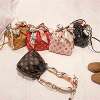 الأطفال الكتف حقيبة الحرير وشاح مع المحمولة دلو حقيبة يد الاطفال محفظة حقائب صغيرة حمل الحقائب مصمم الأزياء الطباعة G4Y7LRO