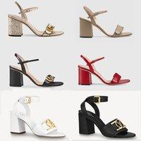 2021 Tacones de lujo de cuero Sandalia de cuero Mid-tacón 7-11 cm Mujeres Sandalias Sandalias de verano Playa de verano Sexy Boda Zapatos Tamaño 35-40 con caja