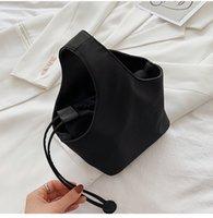 2021 ss clearance grande vendita promozione signore ladies ascellaria pacchetto sacchetti di stoffa di nylon borse in nylon semplicità stile madre e figlia borse da donna moda croce corpo