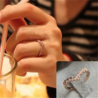 J04 Jewelry V-shape Unique Design with Simple Full of Diamond Love Tail Ring Female=