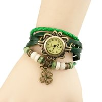 Reloj de pulsera de bucle de cuero de cobre vintage para mujer Mariposa de cuatro hojas Ornamento de trébol de moda relojes de pulsera