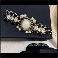 Barrette con clip per capelli timbro CO Fashion Classic Camellia Lettera C corretto fascino perla perla per la femmina ragazza natale matrimonio v jngld