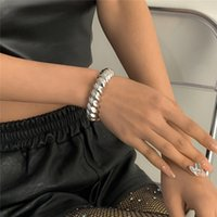 Europe Wide Geometric C-shaped Bangle Hip Hop Thread Twist Bracelet Women Punk Pure Color Business Party Hand Jewelry Fashion Accessories