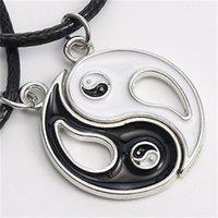 Design unique Splice Colliers Gossip Tai Chi Yin Yang Colliers pour Femme Cuir Pendentif Corde Noir Blanc Amitié Blanc Couple Valentine Cadeau 473 Q2
