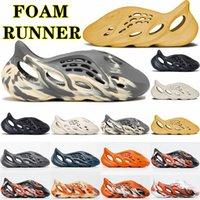 Con zapatillas de caja kanye sandalias para hombre mujer triple negro blanco diapositivas calcetín resina desierto arena tierra marrón hombres mujeres west slipper 36-45