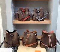 2021 Lady Shoulder Bags Bolsos Classic Cross Body Clutch Mujeres Moda Bolso Llano Cuero Abierto Cubo Interior Ranura Pocket Casual Drawstring Designer de lujo