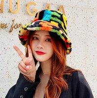 Foxmoother Outdoor Multicolor Arco-íris Faux Peles Carta Padrão Bucket Bonés Mulheres Inverno Macio Moreto Gorros Mujer