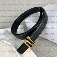 10 cinturones de hebilla Hipster Hombres y mujeres Cinturones de cuero con caja de hebilla suave Viste a cinturones de alto grado